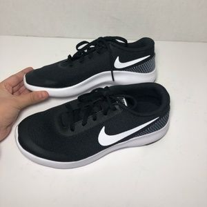 Nike Shoes - NEW Nike Boys Flex Experience Rn 7